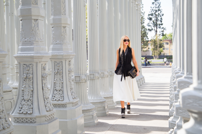 black and white outfit,LACMA,urban lights