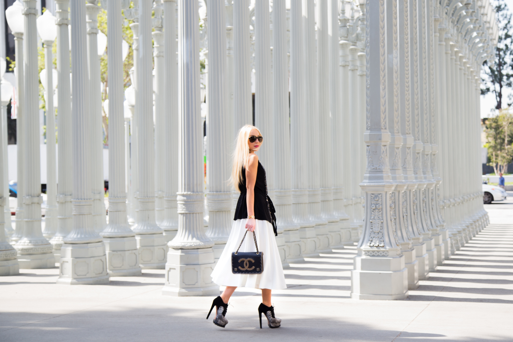 Chanel Bag,Alaia booties,Alaia biker boots,how to wear black and white