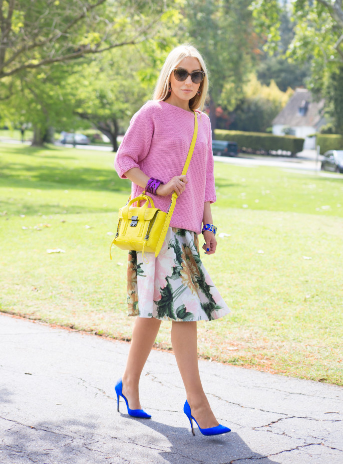 pastel sweater, pashli mini,yellow bag,yellow pashli,blue pumps,yellow and blue,pansy
