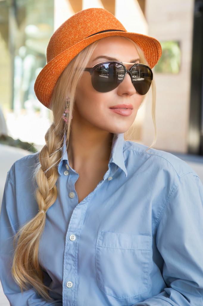 orange fedora hat,blue shirt,H&M shirt,tom ford aviators