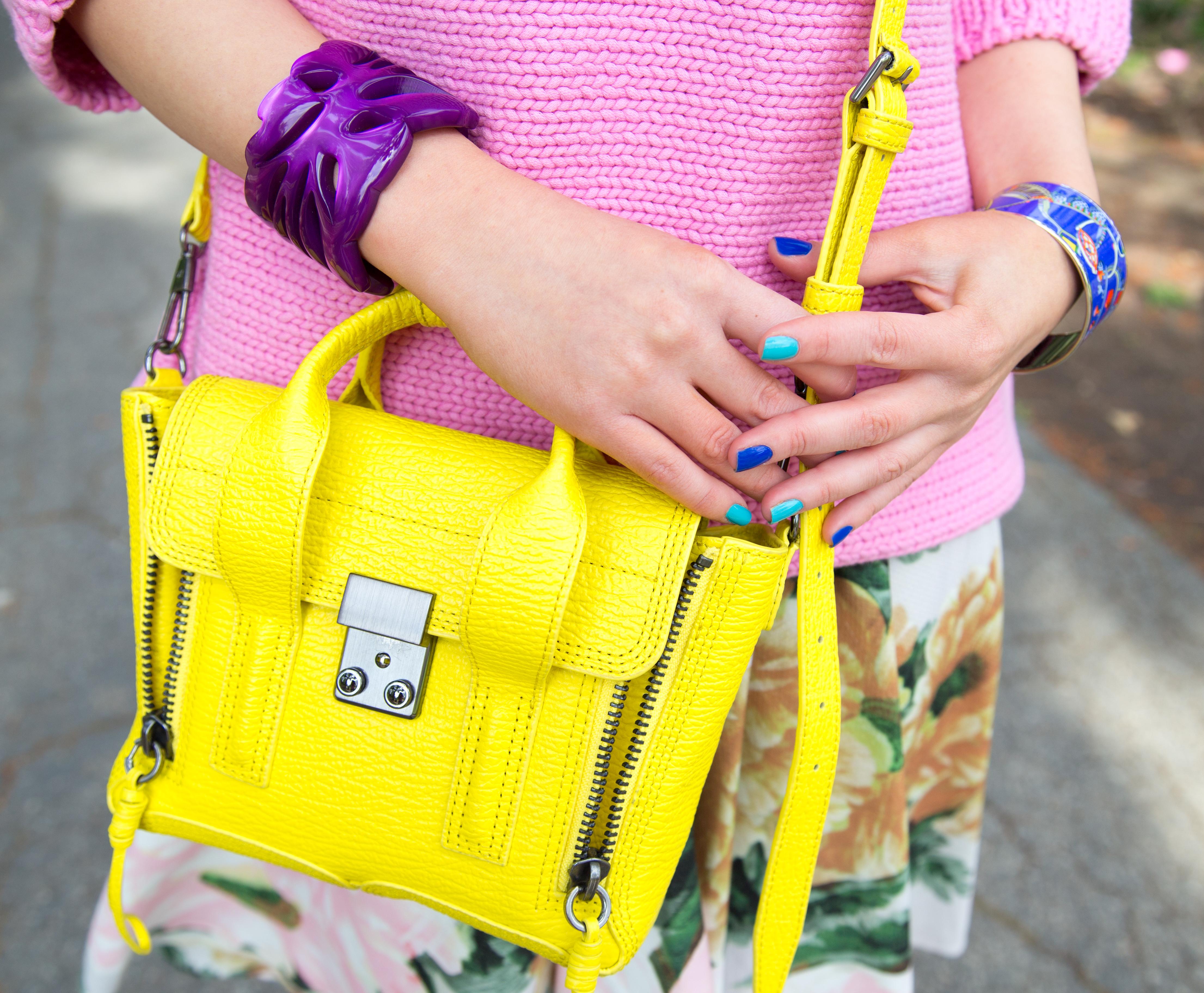 blue nails,yellow bag,neon bag,nail art,yellow and purple,pashli mini