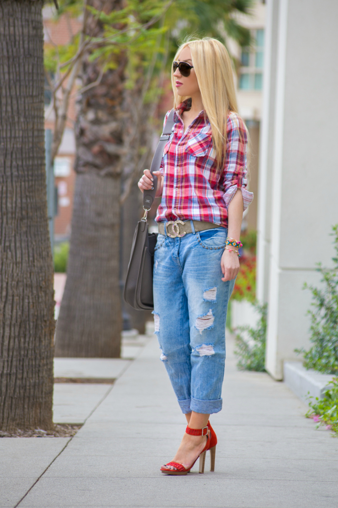 plaid shirt,boyfriend jeans,ankle strap sandals