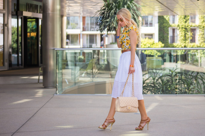 tan sandals,zara skirt,hermes belt
