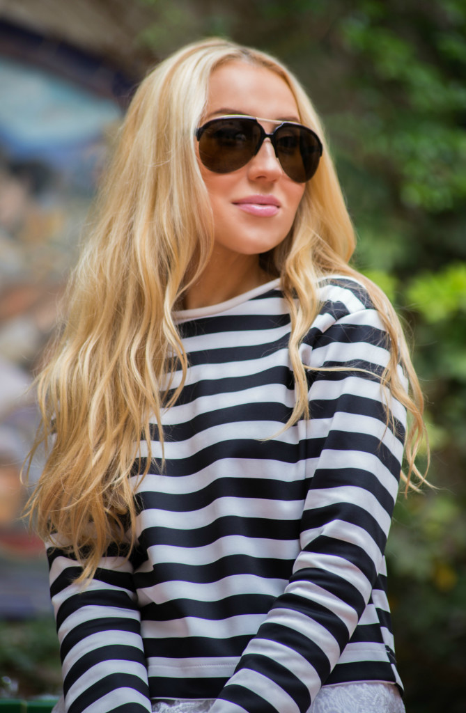 zara t-shirt,zara shirt,striped shirt,striped top,aviator sunglasses