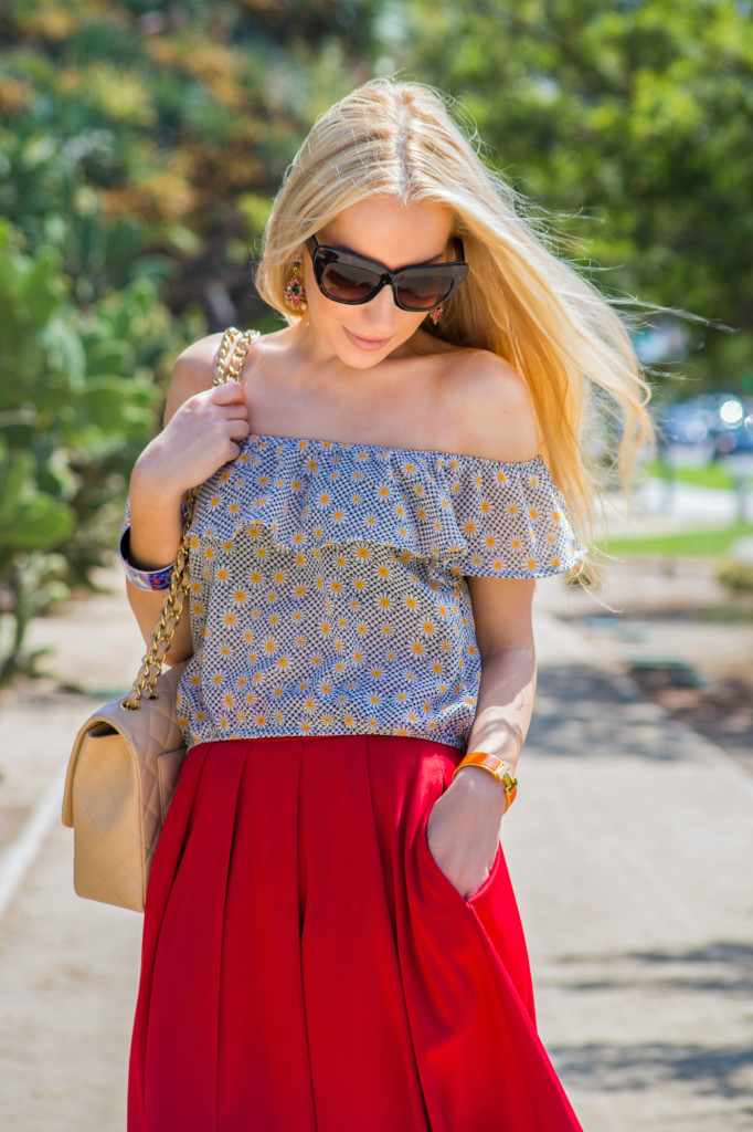 daisy print top,off the shoulders top,floral top
