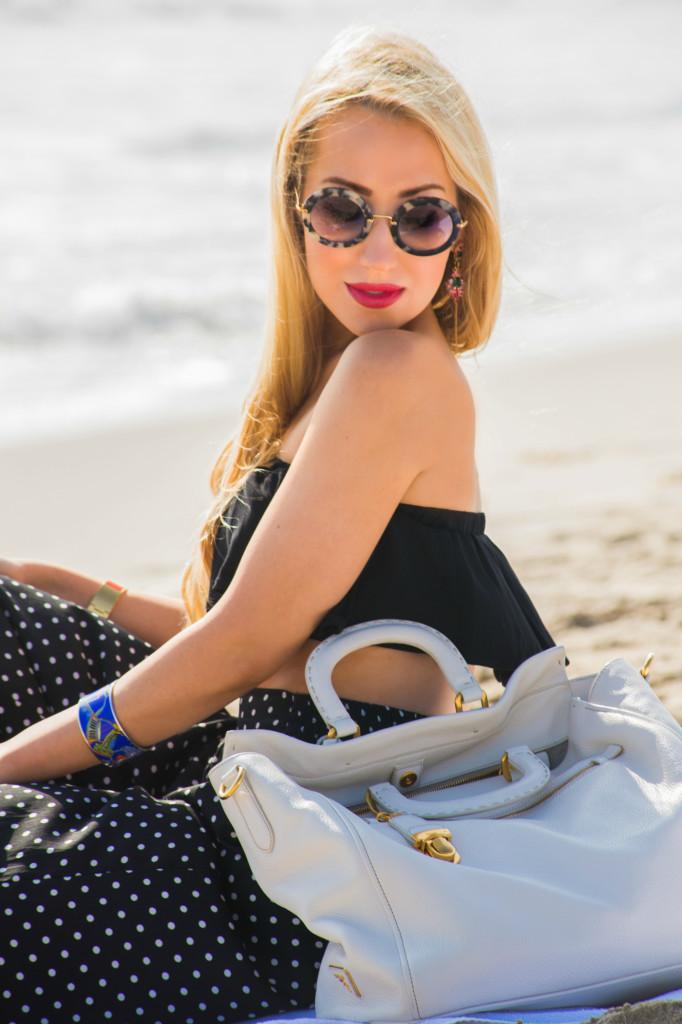 prada bag,white prada tote,beach picnic,labor day weekend outfit