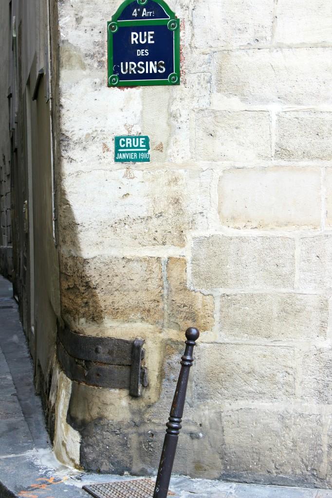 Rue de Ursins,Paris streets