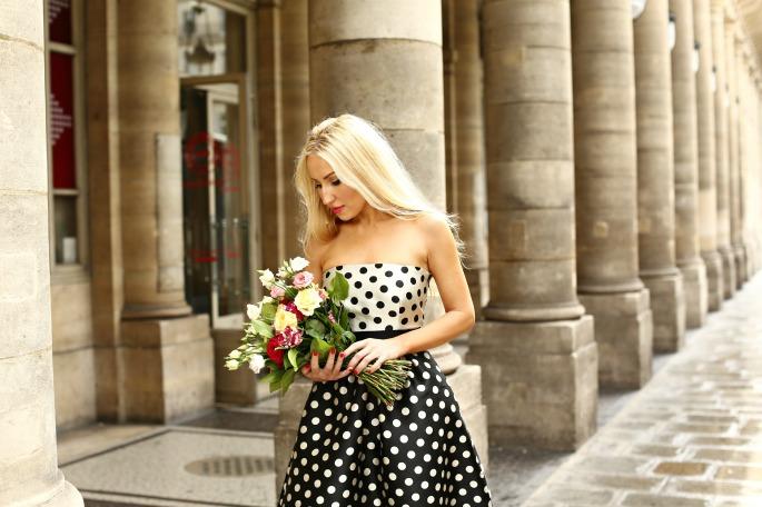 Fashion shoot in Paris,fashion shoot in Louvre,Polka dot gown,christian louboutin pumps,style blogger Paris,carolina herrera dress,carolina herrera gown,carolina herrera polka dot gown,flowers and polka dots,flowers in Paris,polka dots,carolina herrera polka dot dress,ch carolina herrera dress,photoshoot in louvre,photoshoot in louvre paris,paris flowers,Paris Bridge Photoshoot,Paris locks