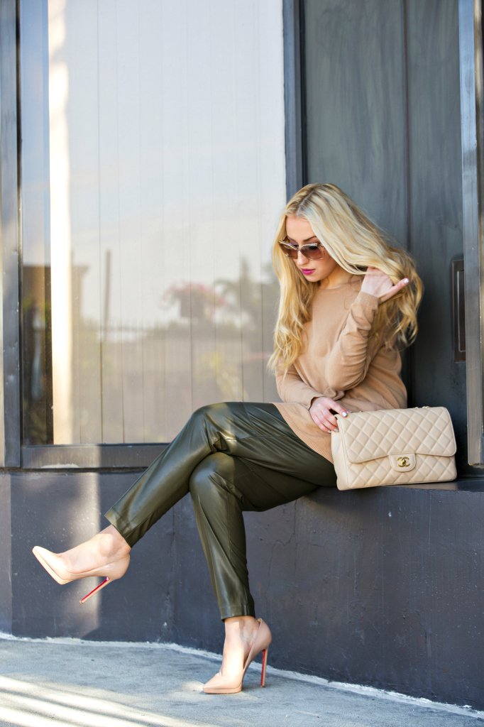 Beige and Green Outfit,Pigalle beige,H&M faux leather pants,Zara Sweater,H&M Pants,Christian Louboutin Pigalle Plato Beige,chloe sunglasses, neutral outfit