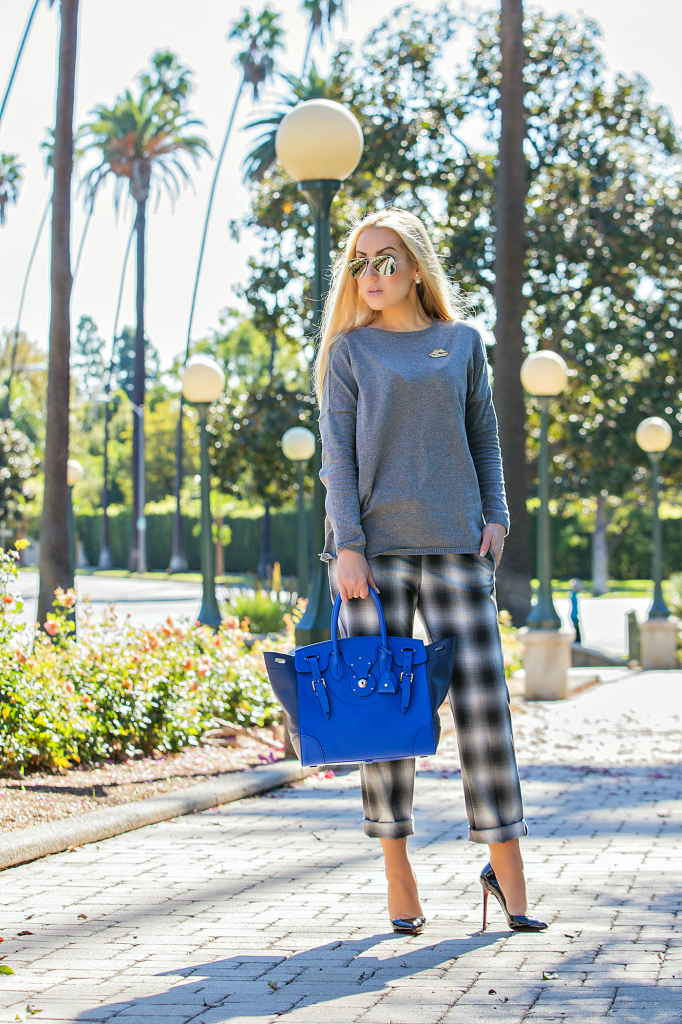 Plaid pants,Plaid and grey outfit,sonia rykiel lips brooch,Gray and Blue outfit,Soft Ricky Bag,Zara Sweater,Royal blue bag,H&M Pants, H&M trend pants