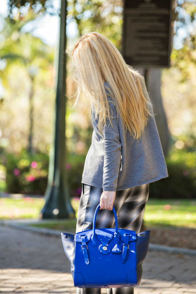 Plaid pants,Plaid and grey outfit,Gray and Blue outfit,Soft Ricky Bag,Zara Sweater,Royal blue bag,H&M Pants, H&M trend pants