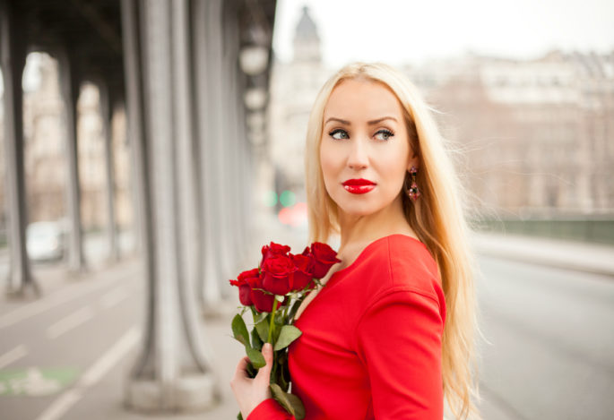 Red Roses with Red Dress,Zac Posen,Red Dress and Eiffel Tower,Eiffel Tower and Roses,Red Dress Paris,Zac Posen Dress,Red Dress,Red Lips And Roses,Zac Posen Dress Paris,Flowers Paris Shoot,Roses Paris