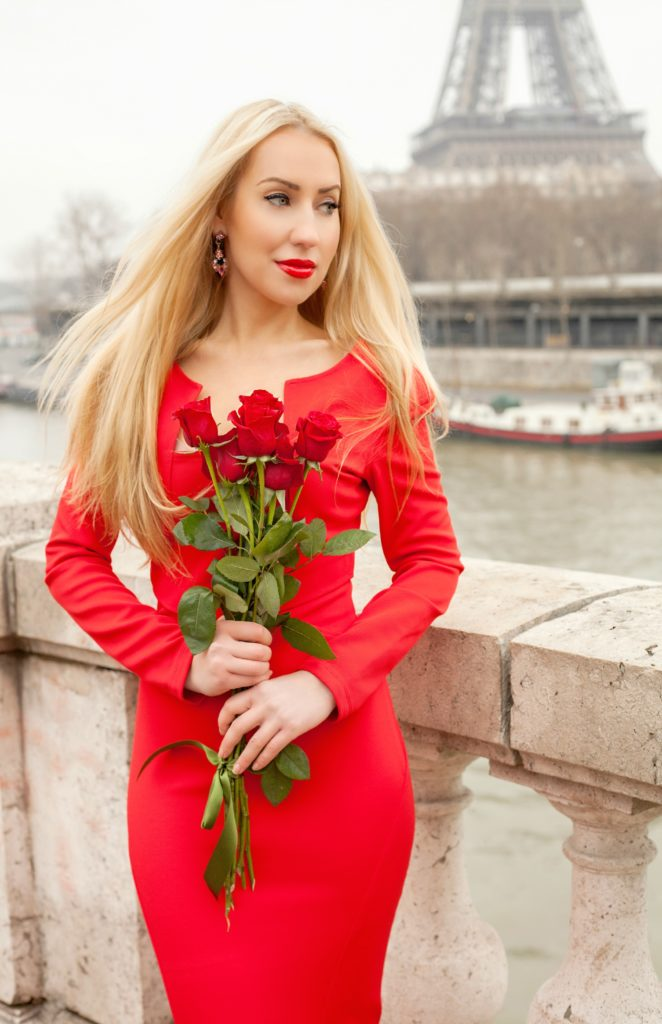 Red Roses with Red Dress,Zac Posen,Red Dress and Eiffel Tower,Eiffel Tower and Roses,Red Dress Paris,Zac Posen Dress,Red Dress,Red Lips And Roses,Zac Posen Dress Paris,Flowers Paris Shoot,Roses Paris,Zac Posen Red Dress,Parisian Winter Tales