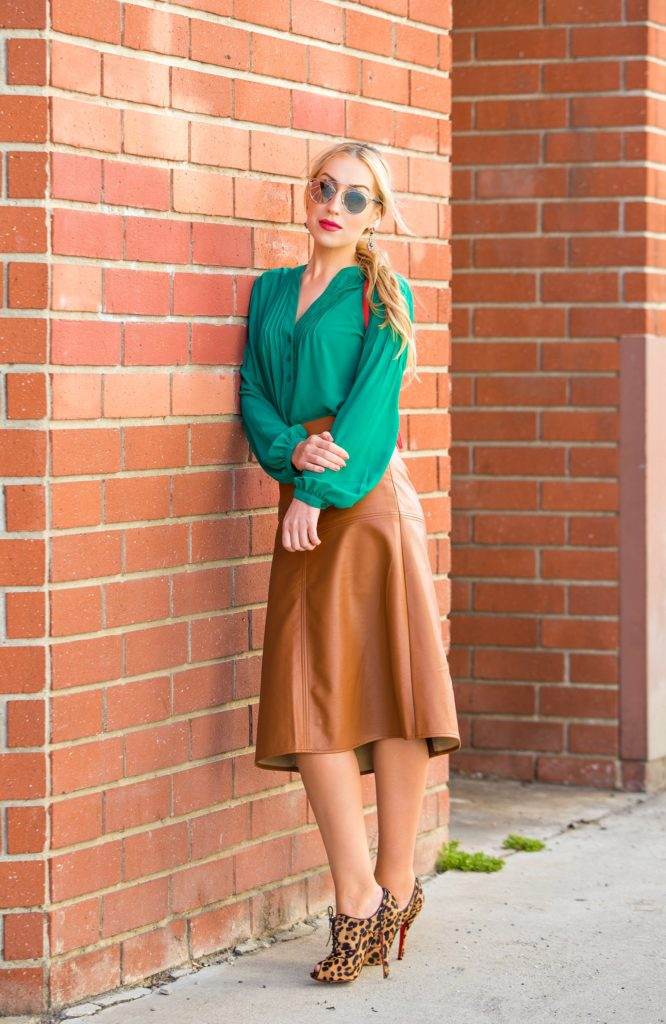 What to wear with a cognac leather skirt | Global trend skirt blog
