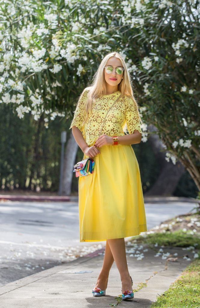 Valentino Rainbow va va voom,Rainbow bag,dior lunettes so real,Valentino 1973 bag,Valentino Rainbow 1973,Yellow Outfit,Vacation outfit idea,Sophia Webster mika pumps,Sophia Webster Mika flowers pumps,Valentino chevron rainbow