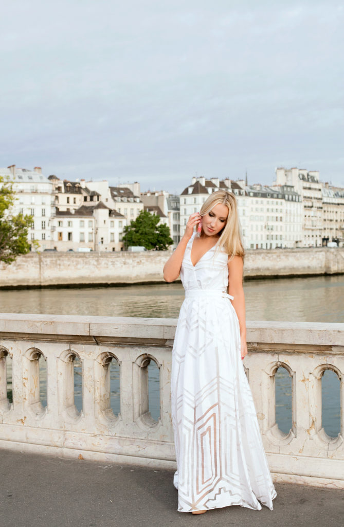 Pont Louis-Philippe,Zuhair Murad dress,Summer Fashion photo shoot in Paris,July fashion photo shoot in Paris,Oscar de la Renta tassel earrings,Pont Louis-Philippe fashion shoot,Zuhair Murad white dress,white gown in Paris,summer in Paris,Zuhair Murad gown geometric,Zuhair Murad gown,White dress Paris,Pont Louis-Philippe Zuhair Murad dress,July in Paris,Oscar de la Renta pink tassel earrings