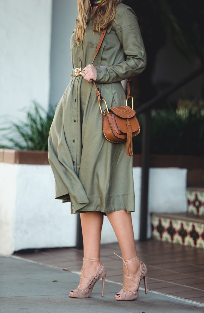 ,alaia lace up sandals,how to wear earth tones,chloe hudson tan bag,beige alaia sandals,chloe hudson,hermes belt kit,Chloe carlina sunglasses,chloe sunglasses,banana republic shirtdress,how to wear hermes scarf