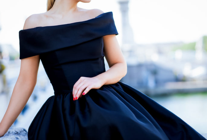 Reem Acra strapless dress,Reem acra gown, Reem Acra dress,What to wear for Holidays 2016,what to wear for New Years black-tie,NYE gown,open shoulders gown,off shoulder gown,Black gown,New Year look inspiration,NYE in Paris,holidays 2016 in Paris,Reem Acra for NYE,Make up for New Years,Magic in the air