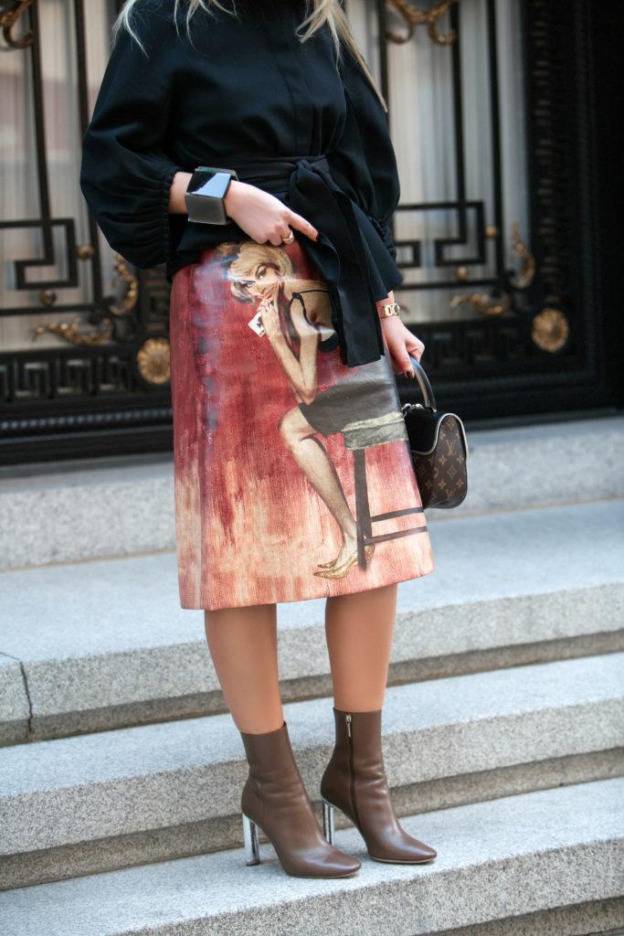 Loewe earth earrings,Prada Printed Coated cotton Midi Skirt,Prada poster Printed Coated cotton Midi Skirt,Prada poster micado skirt,Louis Vuitton bag,Louis Vuitton CHAIN IT BAG look,Celine Shadow sunglasses with loewe earth earrings,Loewe Earth Gold And Silver tone Faux Pearl Earrings,Prada skirt,Prada poster pin up print midi skirt,Dior metallic heel boots,Loewe Faux Pearl Earrings,CHAIN IT BAG by Louis Vuitton,Louis Vuitton bag with dior boots,Prada pin up print skirt,Louis Vuitton CHAIN IT BAG,Prada pin up print midi skirt, Prada's Poster Girl