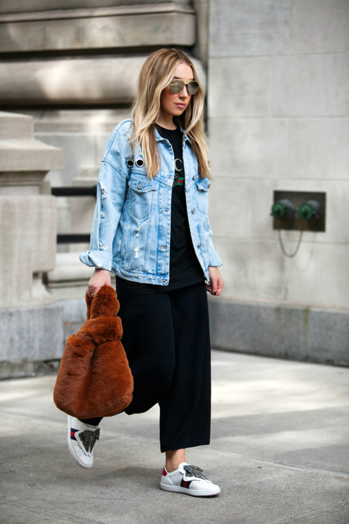 How to style faux fur bags,faux fur teddy bag,topshop teddy Faux Fur Tote Bag,Gucci bow sneakers,How to wear denim jacket,Denim jacket trend,Denim jacket trend,Zara DENIM JACKET,zara DENIM JACKET WITH EYELETS,DENIM JACKET WITH EYELETS,Topshop DOLLY Faux Fur Tote Bag,Topshop Faux Fur Tote Bag,on the streets of NYC,Gucci Ace sneakers with bow patch,Dio(R)evolution Mirrored Aviator Sunglasses,Dio(R)evolution Aviator Sunglasses,dior revolution sunglasses